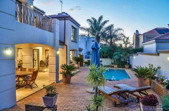 Peter voss estate agent for the bassonia bassonia esate for Bassonia south africa